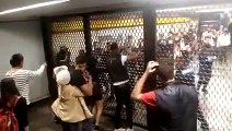 Estudiantes del bachilleres 10 se agarran a golpes con policias adentro del metro