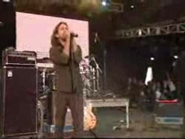 Pearl Jam with U2 - Rocking In The Free