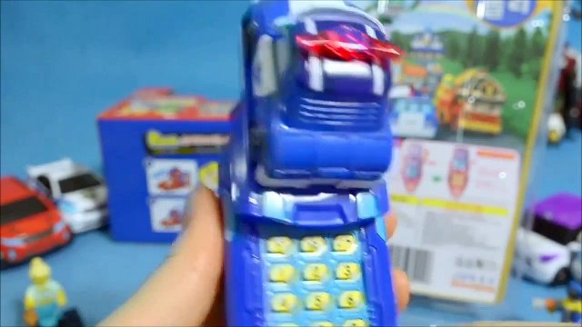 Pororo le tournage de la voiture polonaise de téléphone ou de type robot. montre LEGO Simpsons jouets Robocar poli Lego Pororo Tobot Tayo regarder les jouets