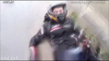 Crash moto : Ce motard ne pense qu'à une chose, protéger sa compagne!