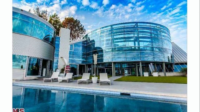 Justin Bieber's New Glass House - 2015