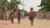 Los niños del contrabando en la frontera entre Venezuela y Colombia
