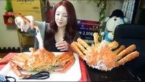 Eating Show -  Mukbang - Hot Girl Korean - Steamed Crabs