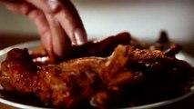 Comment manger des ailes de poulet proprement ?