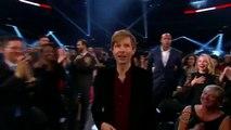 Kanye West s'invite sur la scène des Grammy Awards pour contester le prix de l'album de l'année de Beck