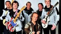 Passe-Partout chante Johnny Hallyday avec son groupe
