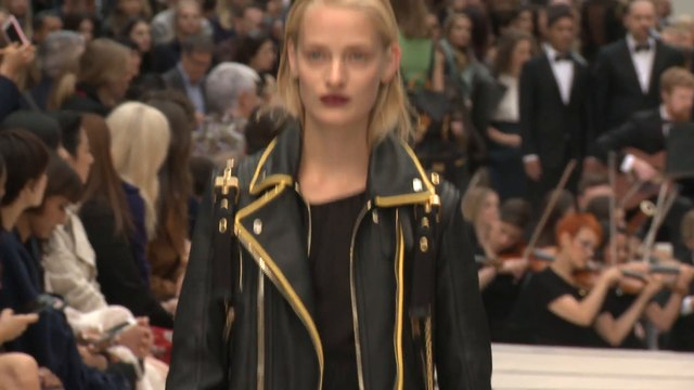 Burberry Spring Summer 2016 | London Fashion show