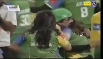actress b00bs press in cricket match
