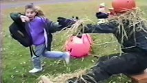 Gamins effrayés par des costumes d'Halloween - Compilation bien fun