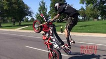 1 LEG Stunt Bike Rider Riding Long WHEELIES Motard STUNTS Moto Supermoto WHEELIE Video ROC