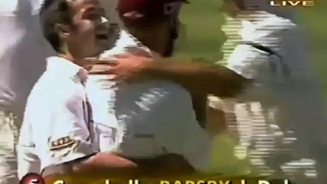Unbelievable Catches - Incredible Cricket Players