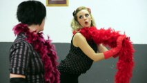 Cours d'Effeuillage burlesque pour vos enterrements de vie de jeune fille avec Ophelie Carre en région Rhone Alpes