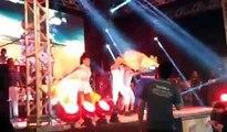 Cantora grita Joelma Calypso durante show