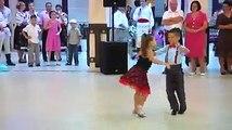 Faut Regarder La Vidéo Drôle: Les Enfants De La Danse