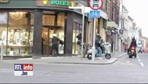 Une retraitée empêche un braquage en s'attaquant aux voleurs