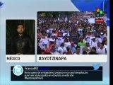 Familiares de los 43 normalistas descontentos tras reunión con Peña