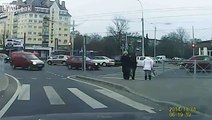 LiveLeak.com - These Russian Pedestrians Are Extremely Lucky
