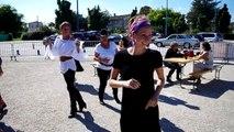 Danse pour tous dans la rue avec le service animation et 3 assos qui bougent