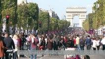"""Paris: Une """"journée sans voiture"""" sur les Champs-Elysées"""