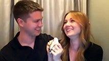Девушка призналась парню, что беременна, в фото-кабинке!
