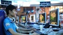 Thao tác tay game thủ AoE Hồng Anh