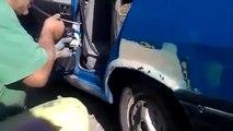 Il peint sa voiture en utilisant sa bouche comme compresseur à air! Pas mal....
