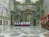 Vatican: une fumée noire s'élève, pas de nouveau pape à ce stade