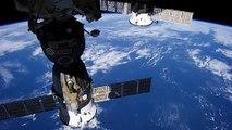 Une comète vue de puis l'ISS, la station spatiale internationale
