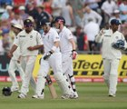 Ian Bell's run out against India - Dhoni calls him back  India vs England 2nd Test 2011