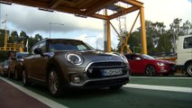 The New MINI Cooper S Clubman, Melting Silver - Driving Video Trailer