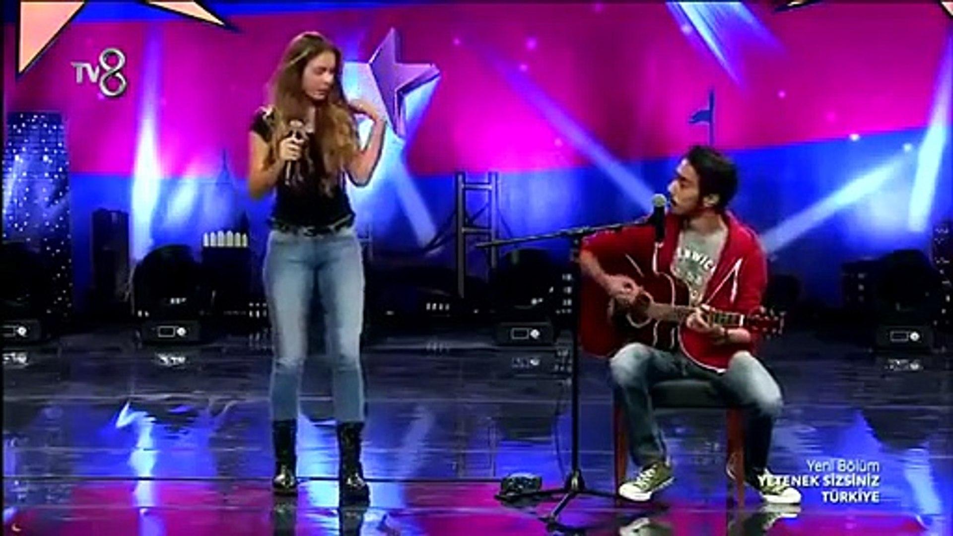 Türkiye nin Shakira sı Aleyna Tilki - Yetenek Sizsiniz Türkiye 2014