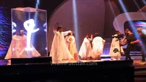 Urwa Hocane falls while dancing (Lux style Awards)