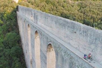 Mountain Bike legend Richie Schley Rides Umbria's New Railway...