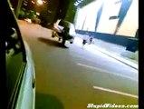 Araba taşıyan adamlar!   Eğlence Komedi ve Eğlence izle (video) Komedi ve Eğlence izle (video)
