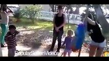 En Komik Videolar  - Kaza Videoları - Dünyanın En salak İnsanları [DERLEME] Komedi ve Eğlence izle (video) Komedi ve Eğlence izle (video)