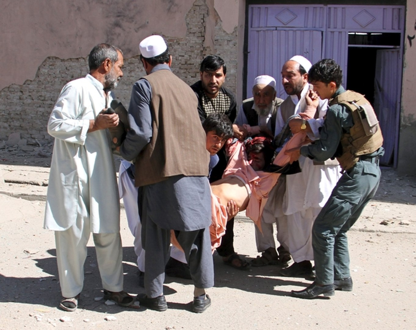 U.S. investigating air strike near Afghan hospital that killed 19