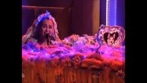 Miley Cyrus breaks down crying during a performance on SNL