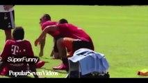 Komedi Futbol Videoları - Komik Videolar - Futbolcu Failleri Çok Komik