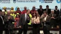 La présidente de l'Argentine improvise une danse endiablée sur scène