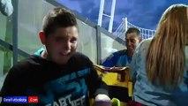Niño llora al recibir la camiseta de Iker Casillas durante el entrenamiento de España • 2015