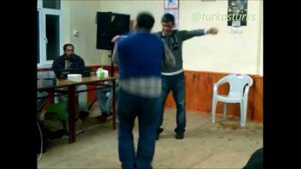 Aslan Mustafam kaşık oyunu-Muhteşem bir performans...