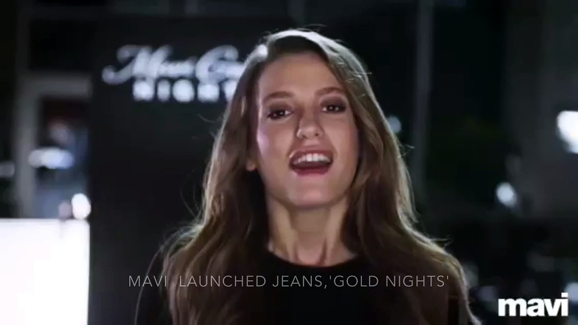 Serenay Sarikaya Mavi Gold nights( Oct 9th 2015)