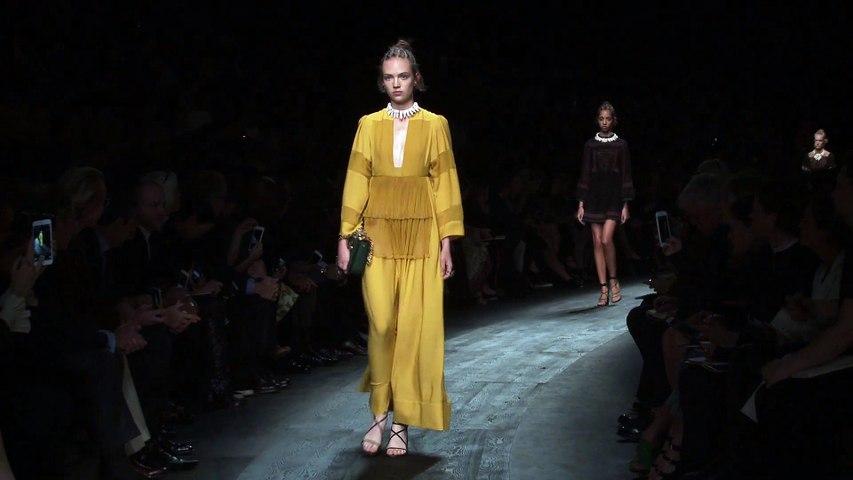 Valentino Spring Summer 2016   Paris Fashion show   C Fashion