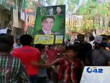 PML-N and PTI children chant slogans in favour of their parties