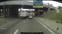 Une voiture renverse un camion - Accident terrible