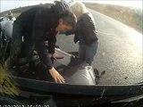Incredibile incidente stradale, guardate cosa succede al conducente dell'auto!