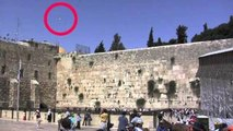 Spirit Orb or Ghost caught on tape - Holy wall - Israel - UFO sightings Dec. 16th.