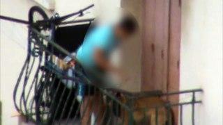 Choquant : un chiot malinois maltraité par un adolescent