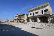 Syrian army and Russian jets target rebel towns north of Homs