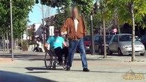 SILLA DE RUEDAS | Broma con cámara oculta | Tiparraco